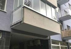 Balkón zasklenie bez stĺpa