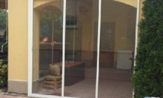 Veranda je zastrešenie, presklenná alebo otvorená časť domu, chaty alebo chalupy zvyčajne vo forme prístavby na okrajovej časti stavby napr. pred vstupom do domu. U bežných obytných domov sa táto stavebná časť vyskytuje ako chránená časť vstupných dverý do domu.